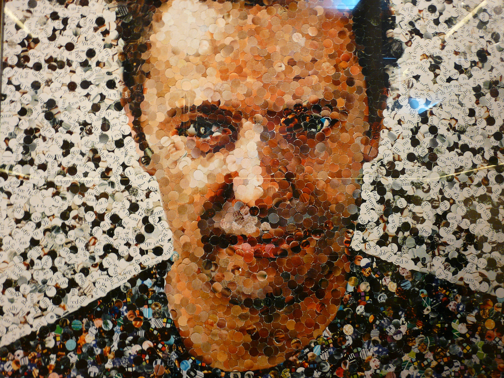 vik-muniz-self-portrait-photo-taken-by-joyce-takenaka